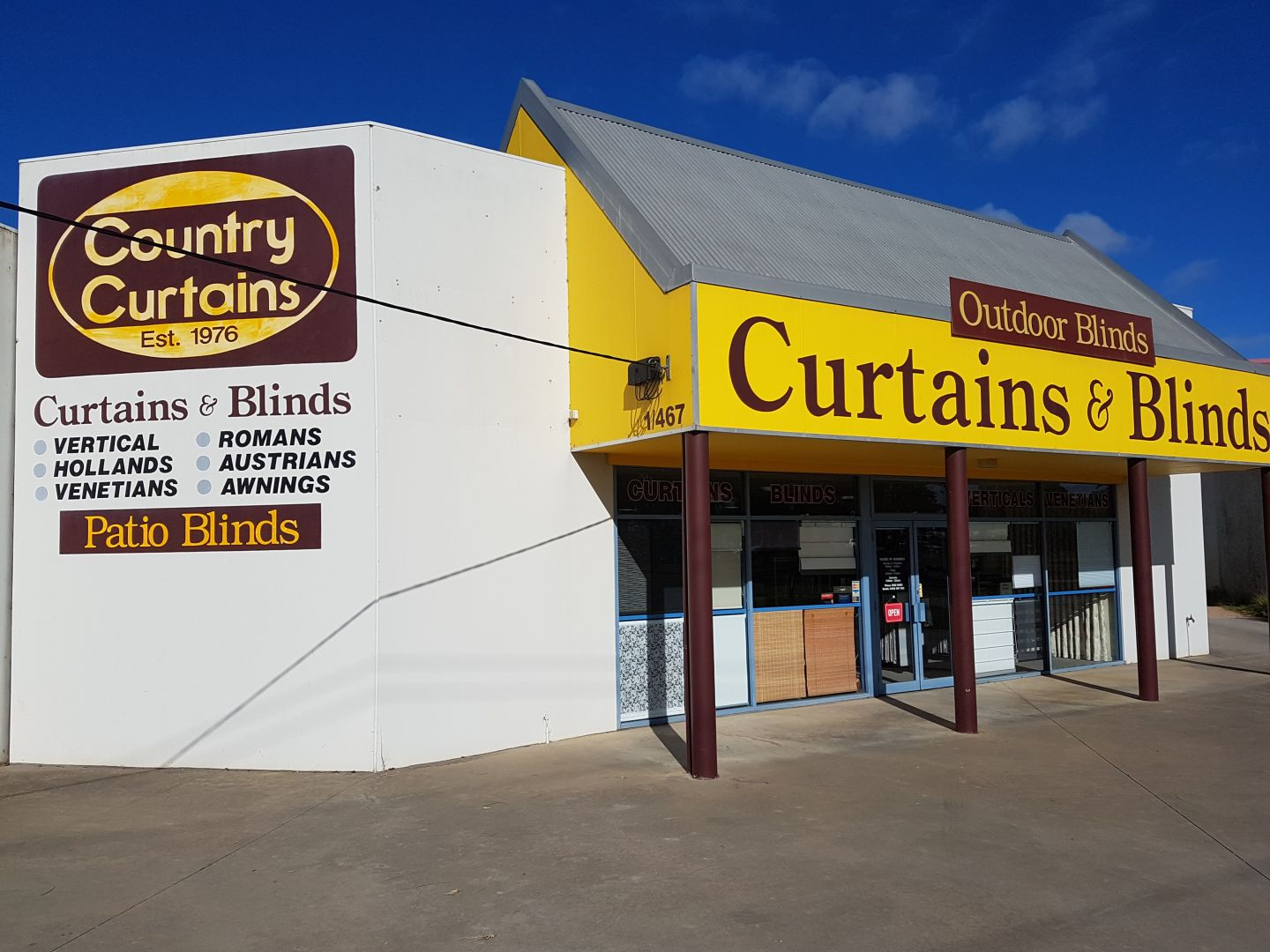 Country curtains logo - Country Curtains Bairnsdale Showroom